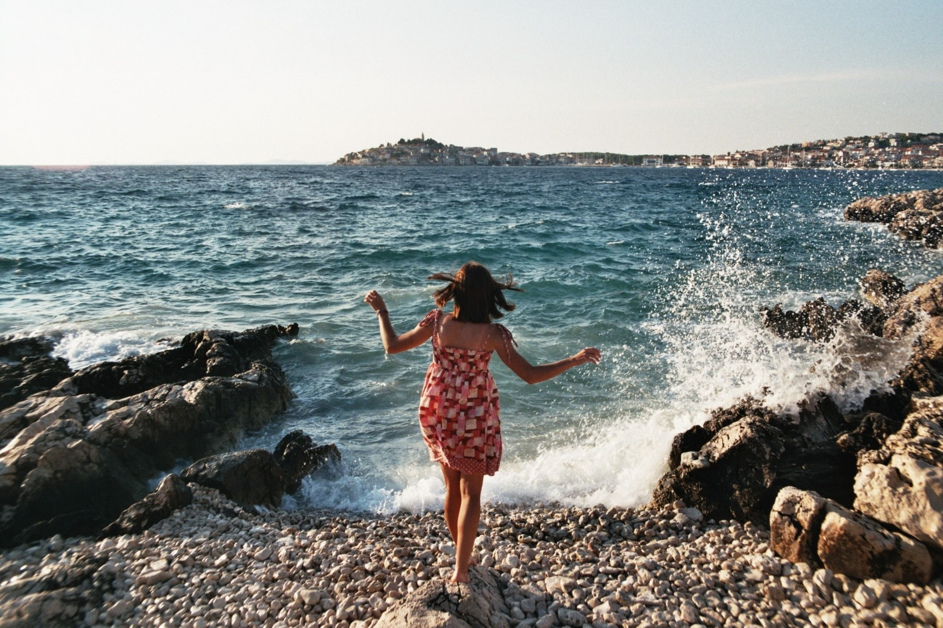 20 (Tried & Tested) Tips For First Time Solo Travelers