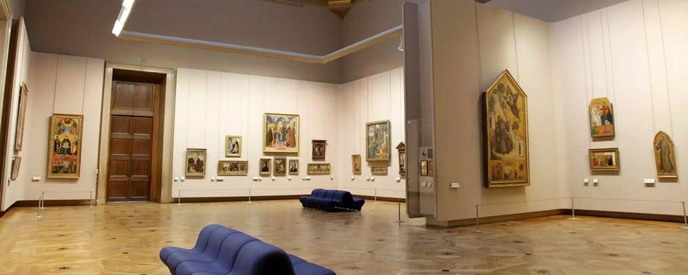 Louvre The Salon Carre
