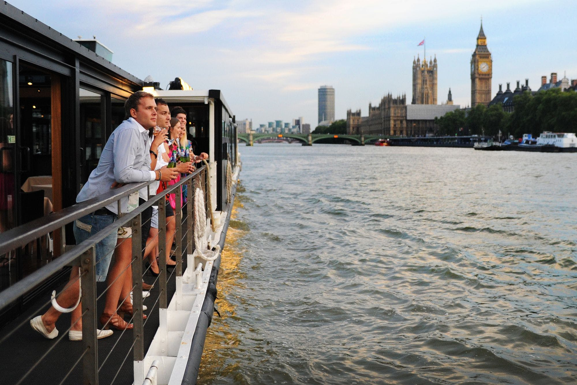 Thames River Dining Cruises