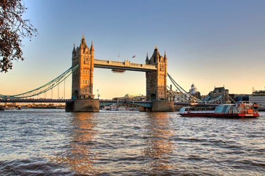 006 London: Thames River Cruises - london