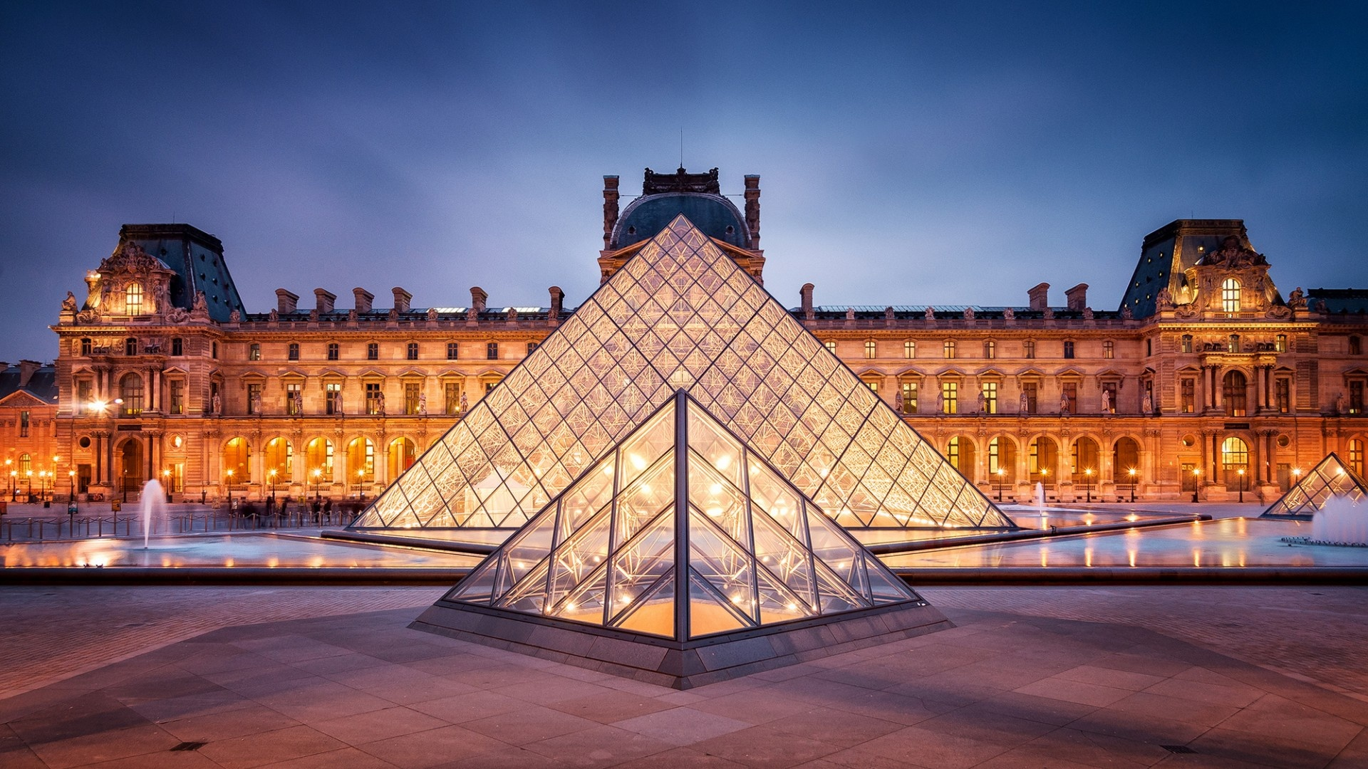 Visiting Paris in December – The Definitive Guide
