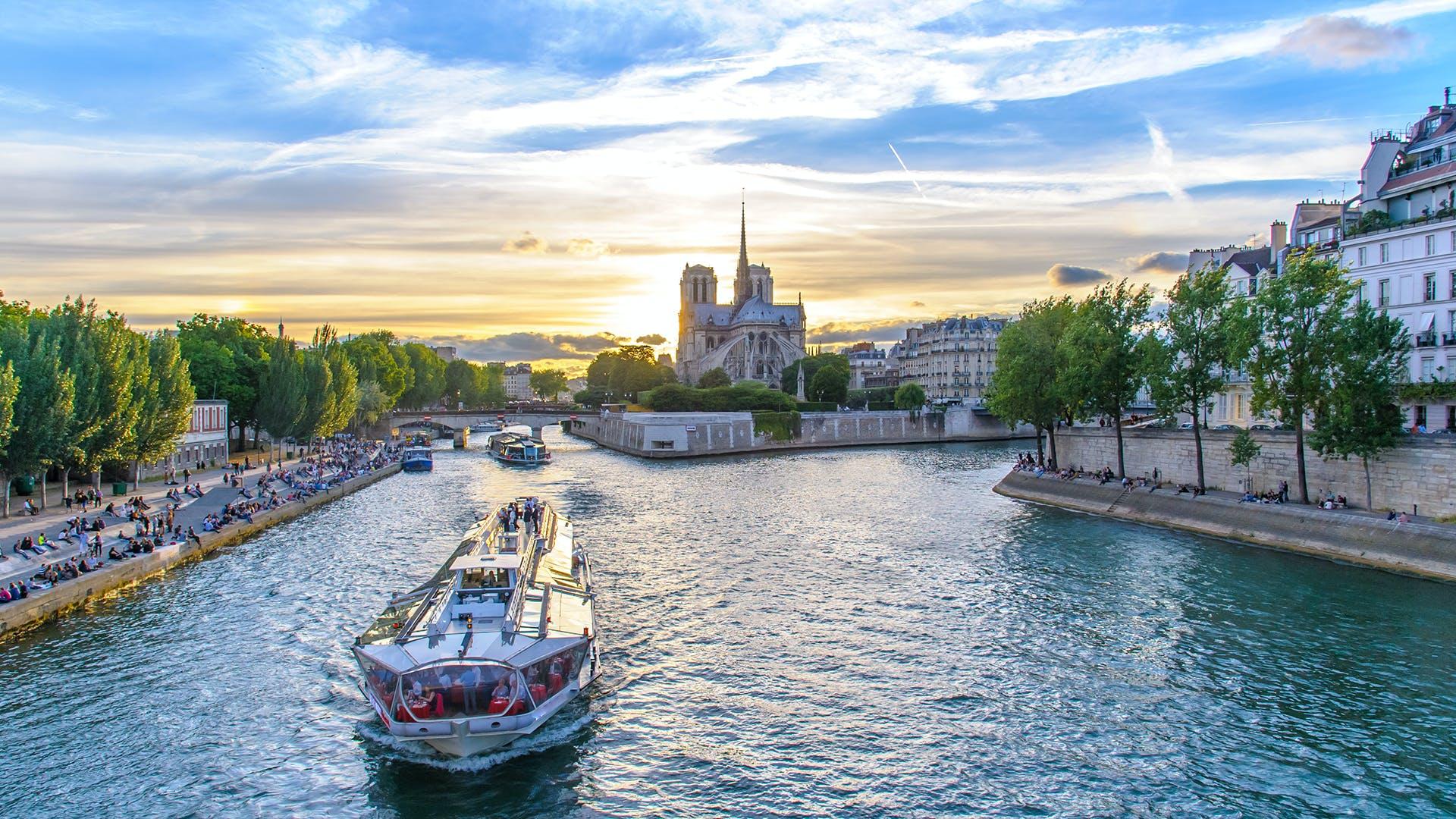 paris in october - seine cruise