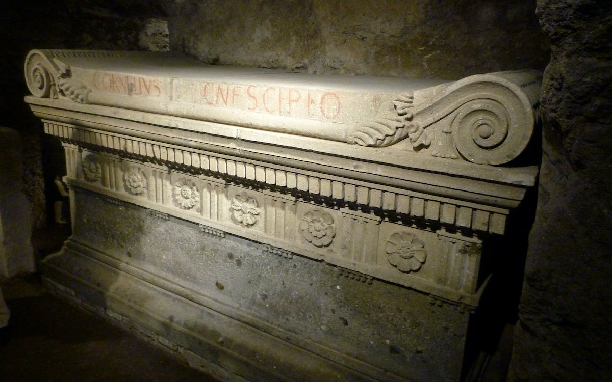 scipioni family tomb walking tour - private access-1