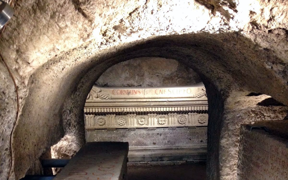 scipioni family tomb walking tour - private access-2
