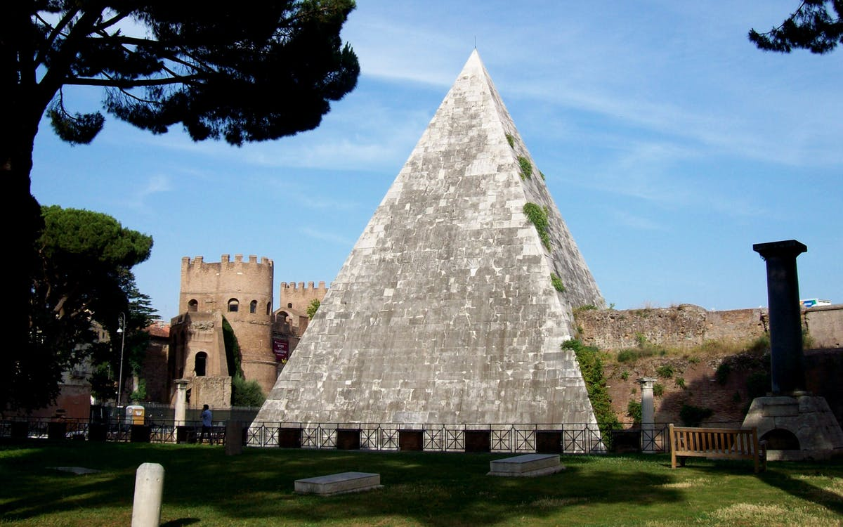 piramide cestia underground walking tour - private access-1