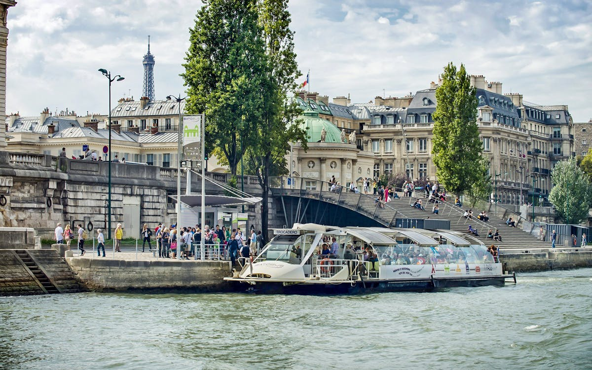 batobus paris hop-on-hop-off river cruise-1