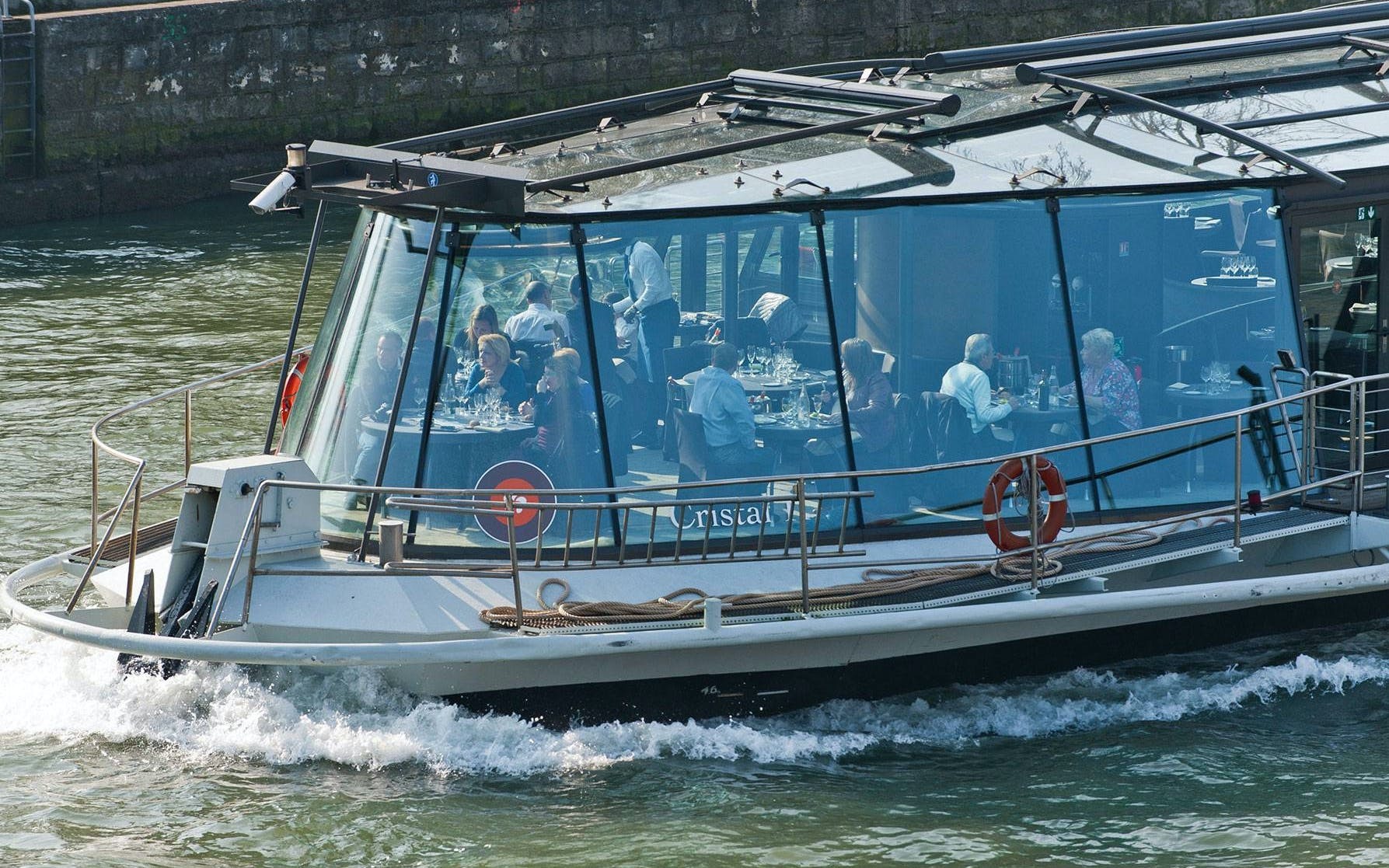 bateaux parisiens seine lunch cruise with live music & audio commentary-2