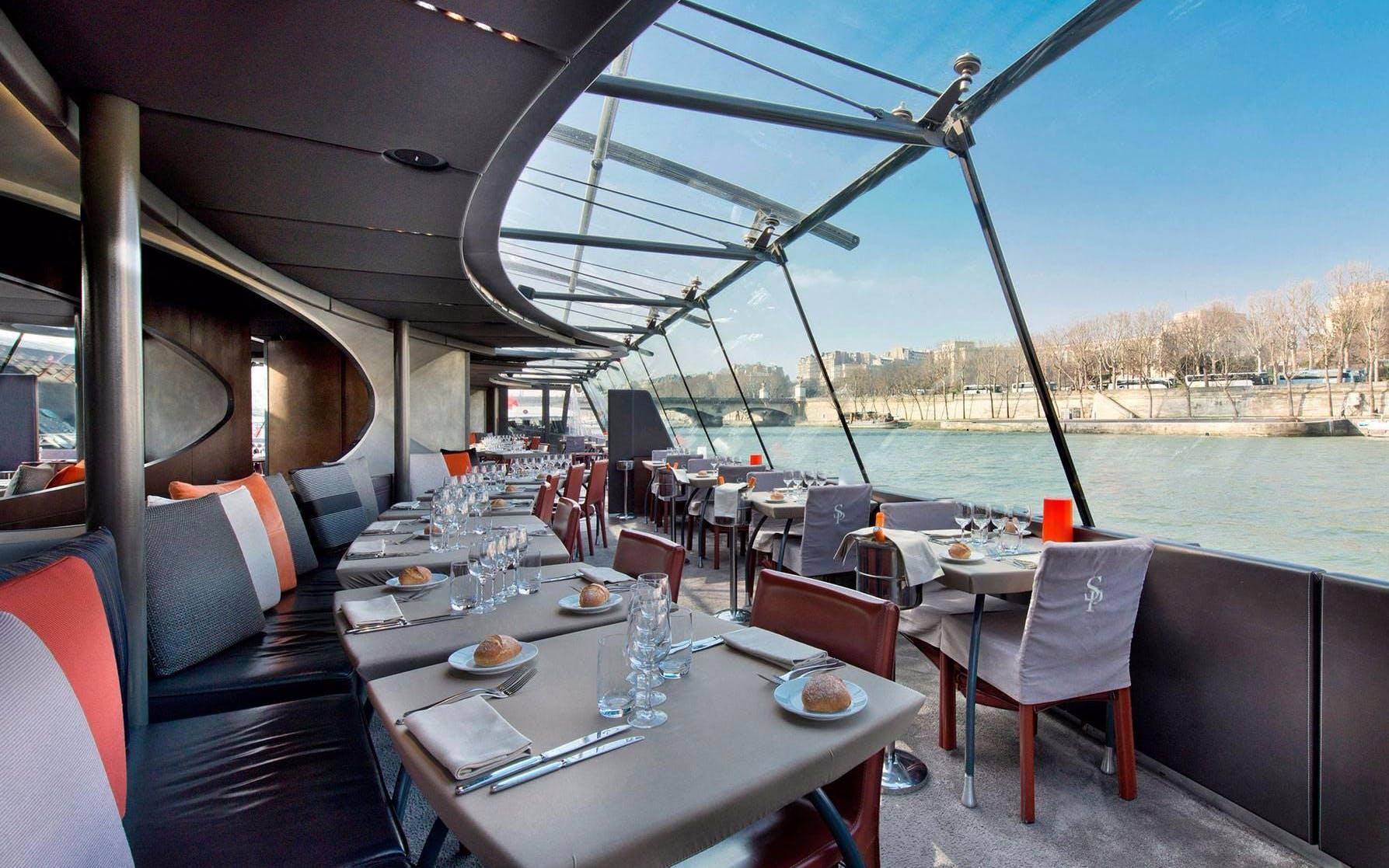 sightseeing Seine river cruises