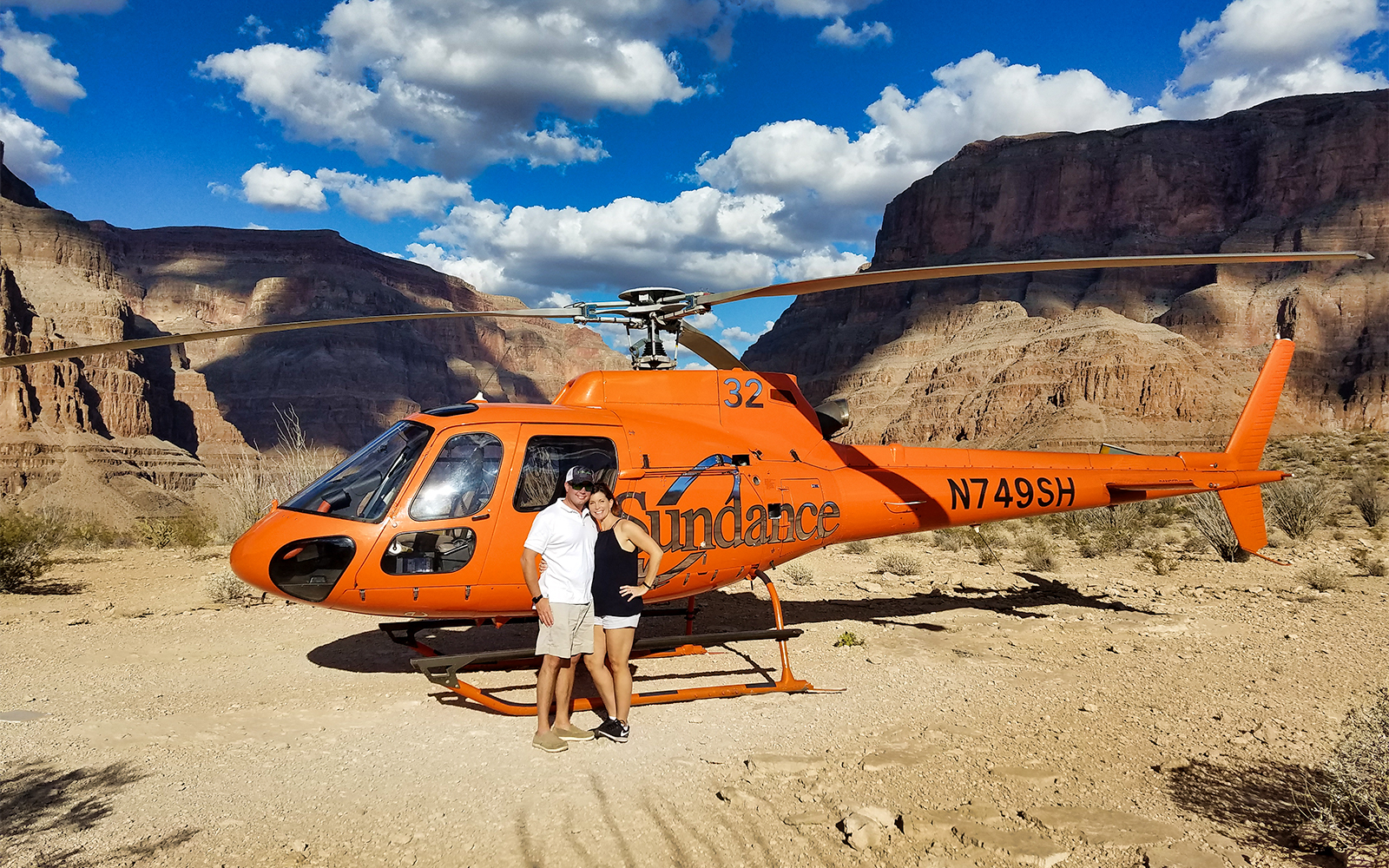 81444ec2 5879 48f3 91ad 497764063ef4 11597 grand canyon grand canyon helicopter tour with floor landing   flight over lv strip 04