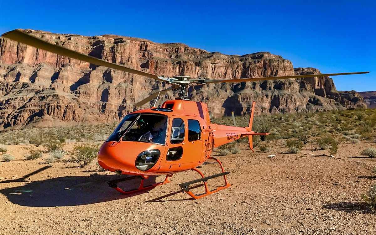 grand canyon helicopter tour with floor landing & champagne picnic-1