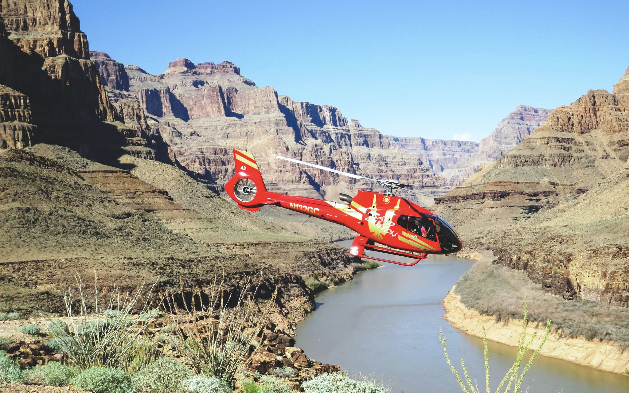 Vegas to Grand Canyon West Rim Helicopter Tour with Optional Landing