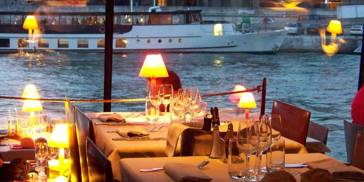 paris at night dinner cruise seine