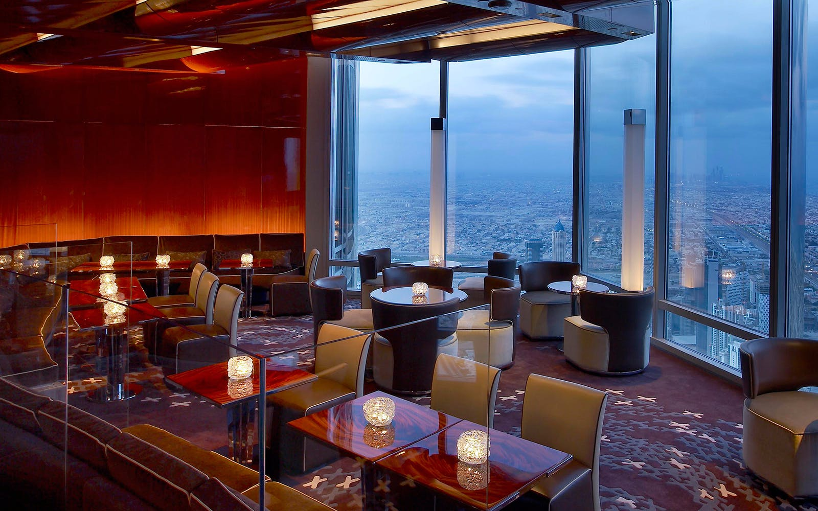 atmosphere lounge at the burj khalifa tower-2