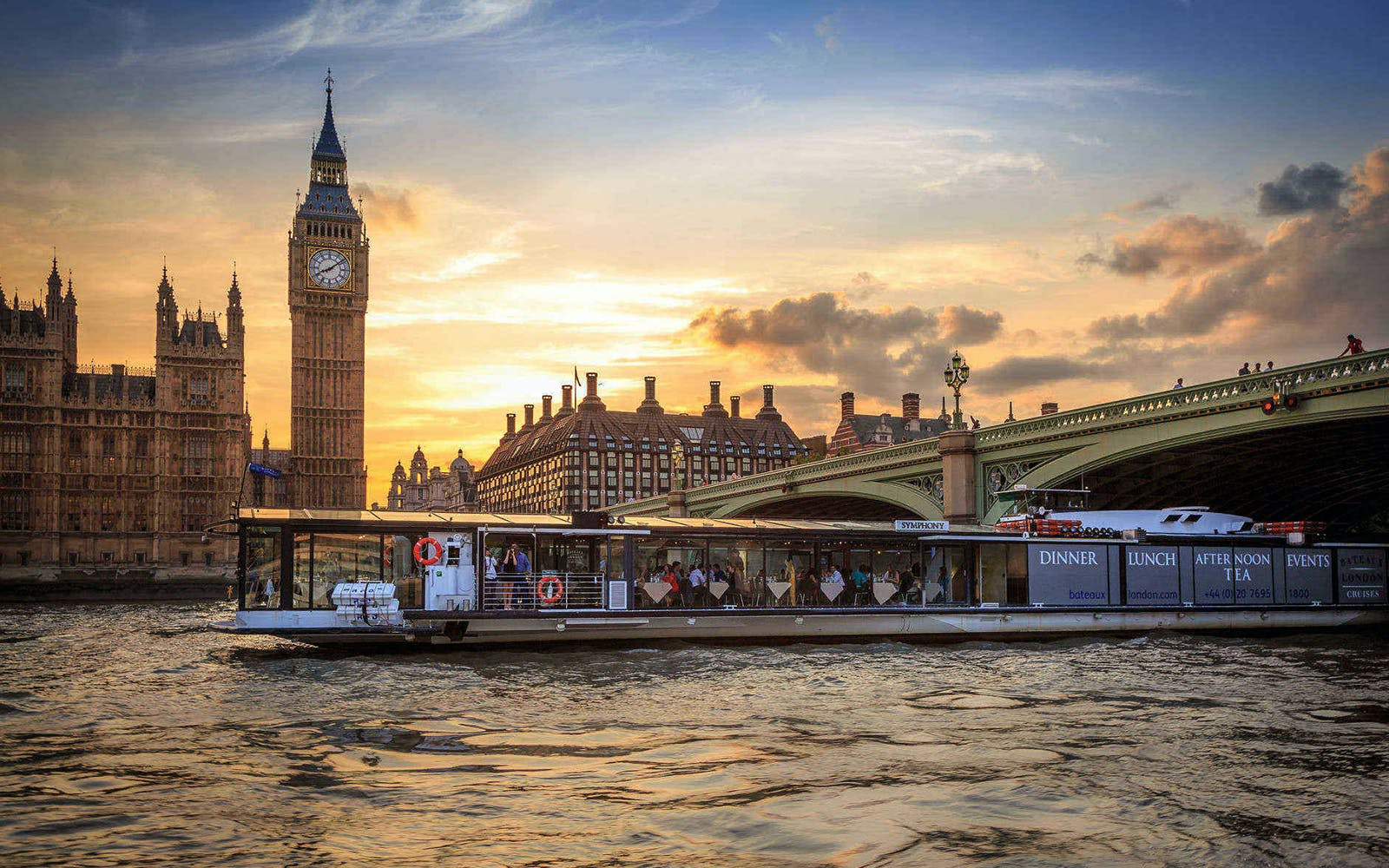 Bateaux London: Afternoon Tea Cruise