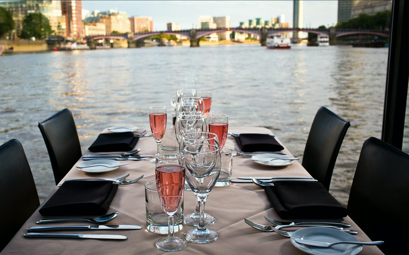 bateaux london: lunch cruise on the thames-3