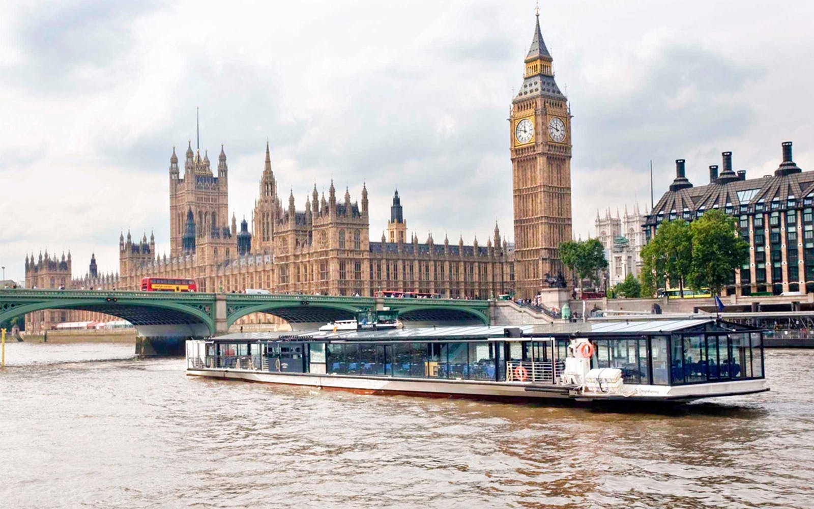 Bateaux London: Lunch Cruise on The Thames