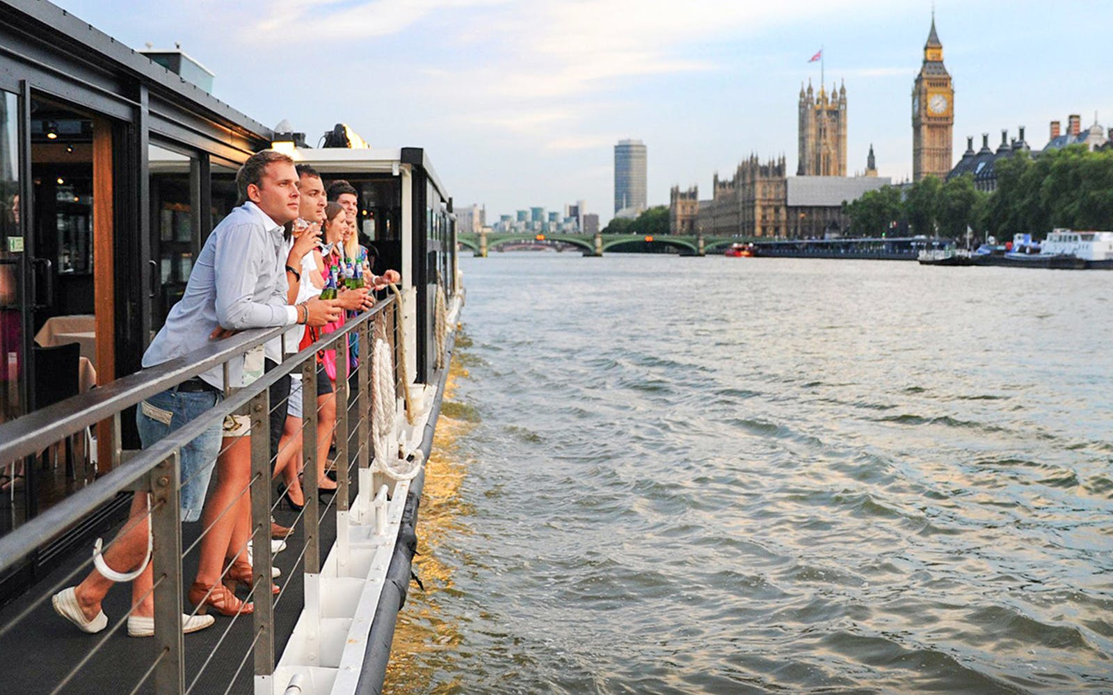 bateaux london: sunday lunch jazz cruise on the thames-1