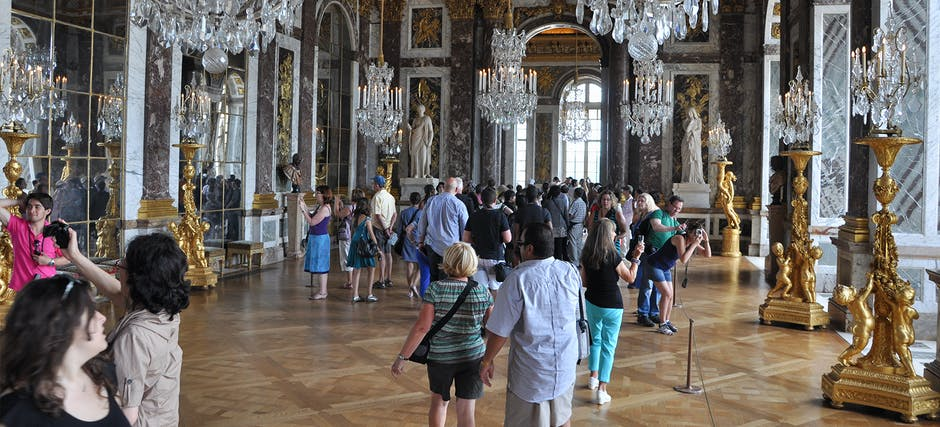Skip The Line Guided Tour of Versailles Palace - 75 Minutes Classic
