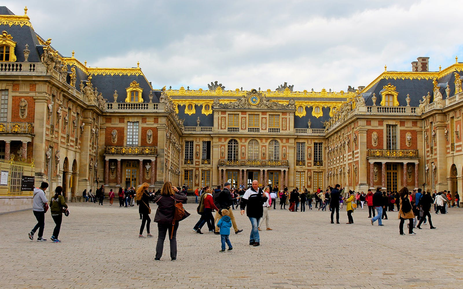 Palace of Versailles Priority Access with VIP Pass & Audio Pen Tour