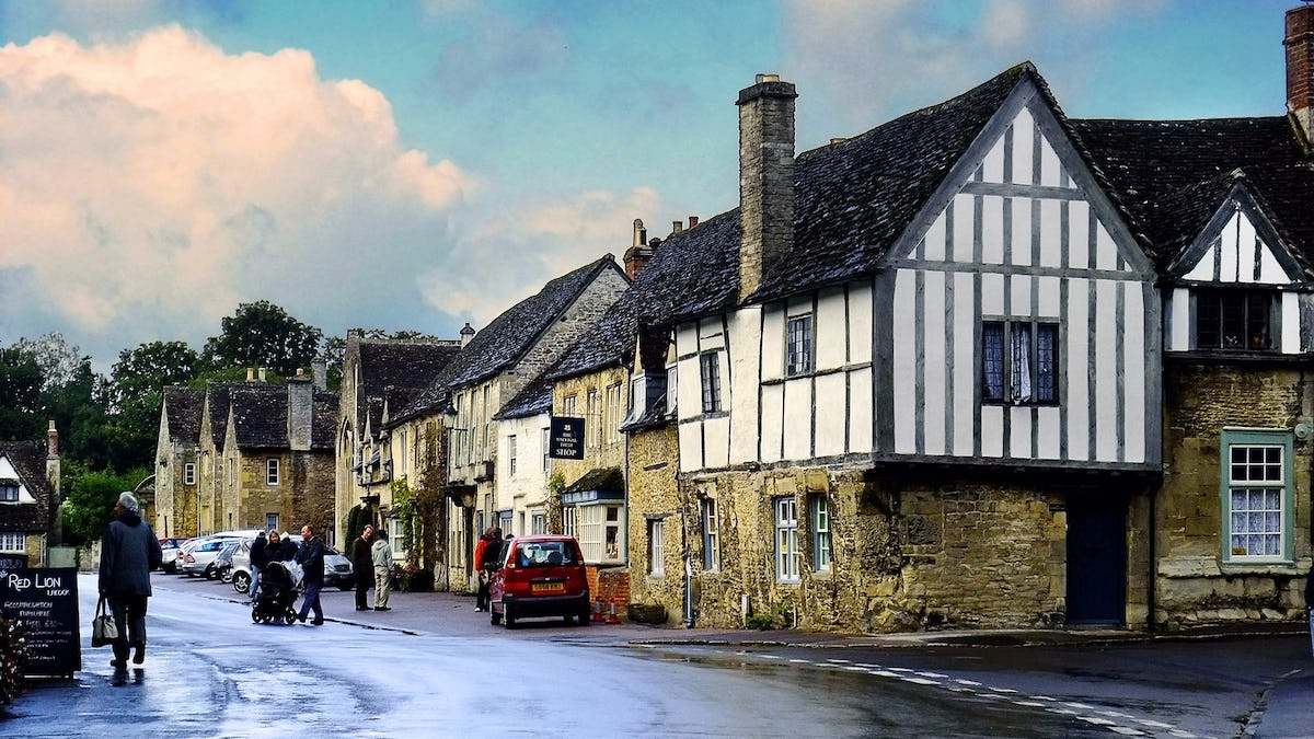 Best Day Trips from London - Windsor Castle, Stonehenge, Lacock & Bath Tour from London