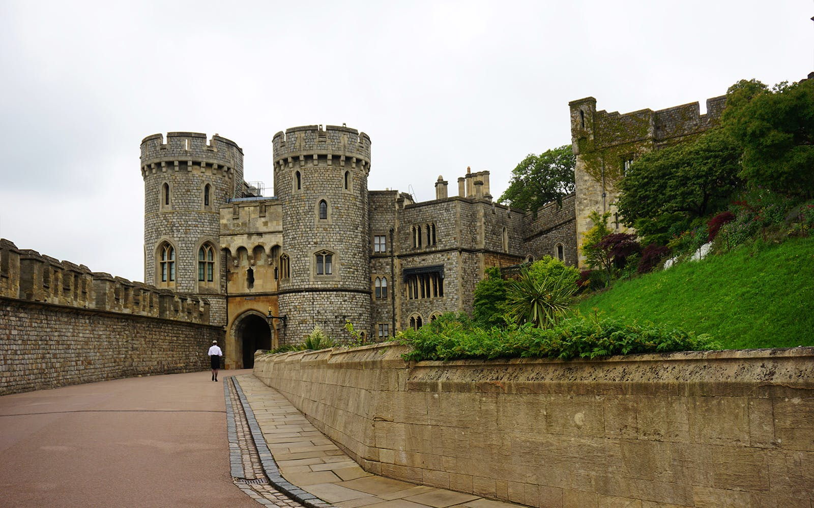 guided tour of windsor, stonehenge, lacock and bath with transfers-2