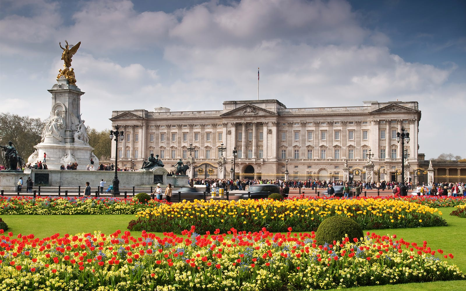 Buckingham Palace and Stonehenge Tour