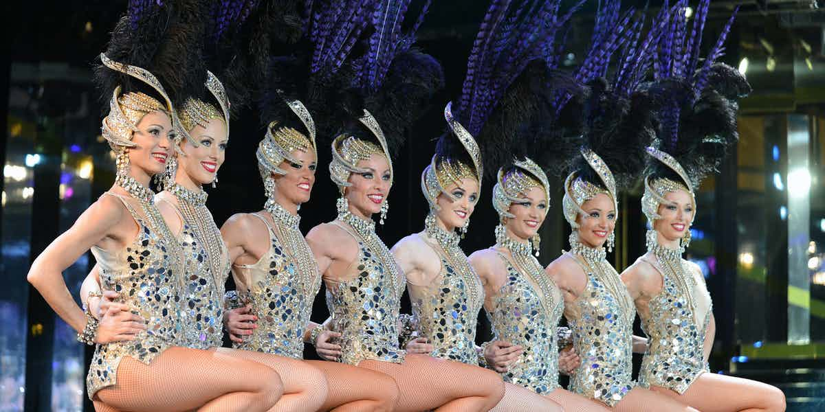 paris at night cabaret show