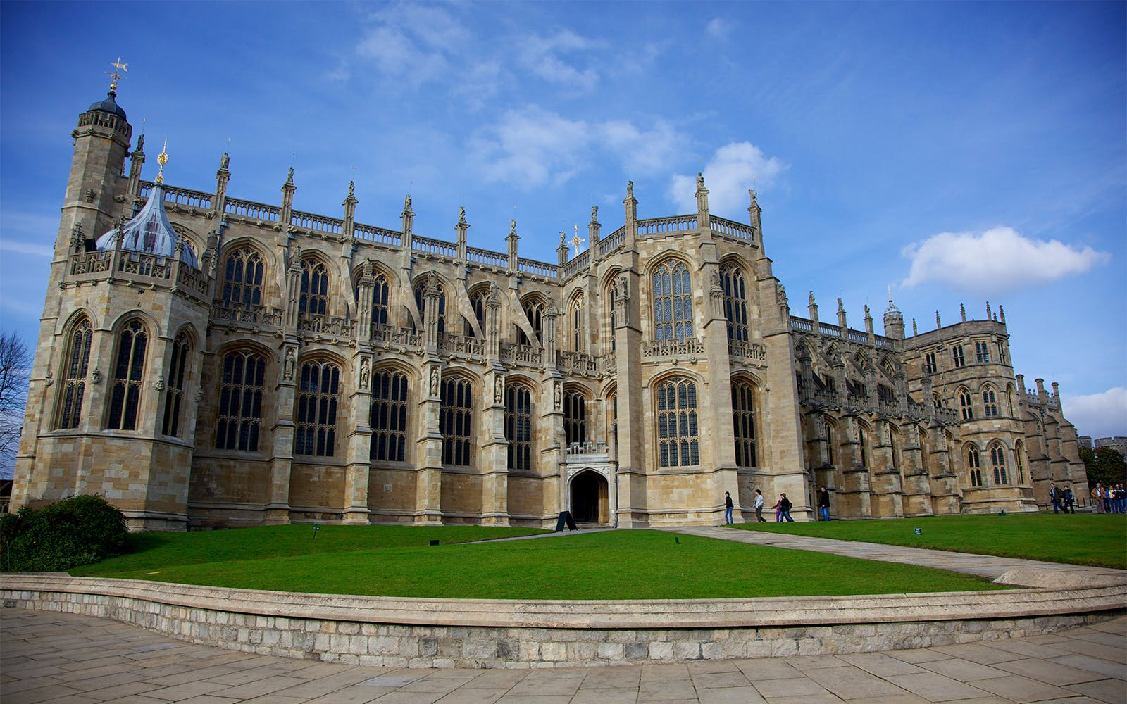 Premium Tour of Windsor Castle, Stonehenge & Bath