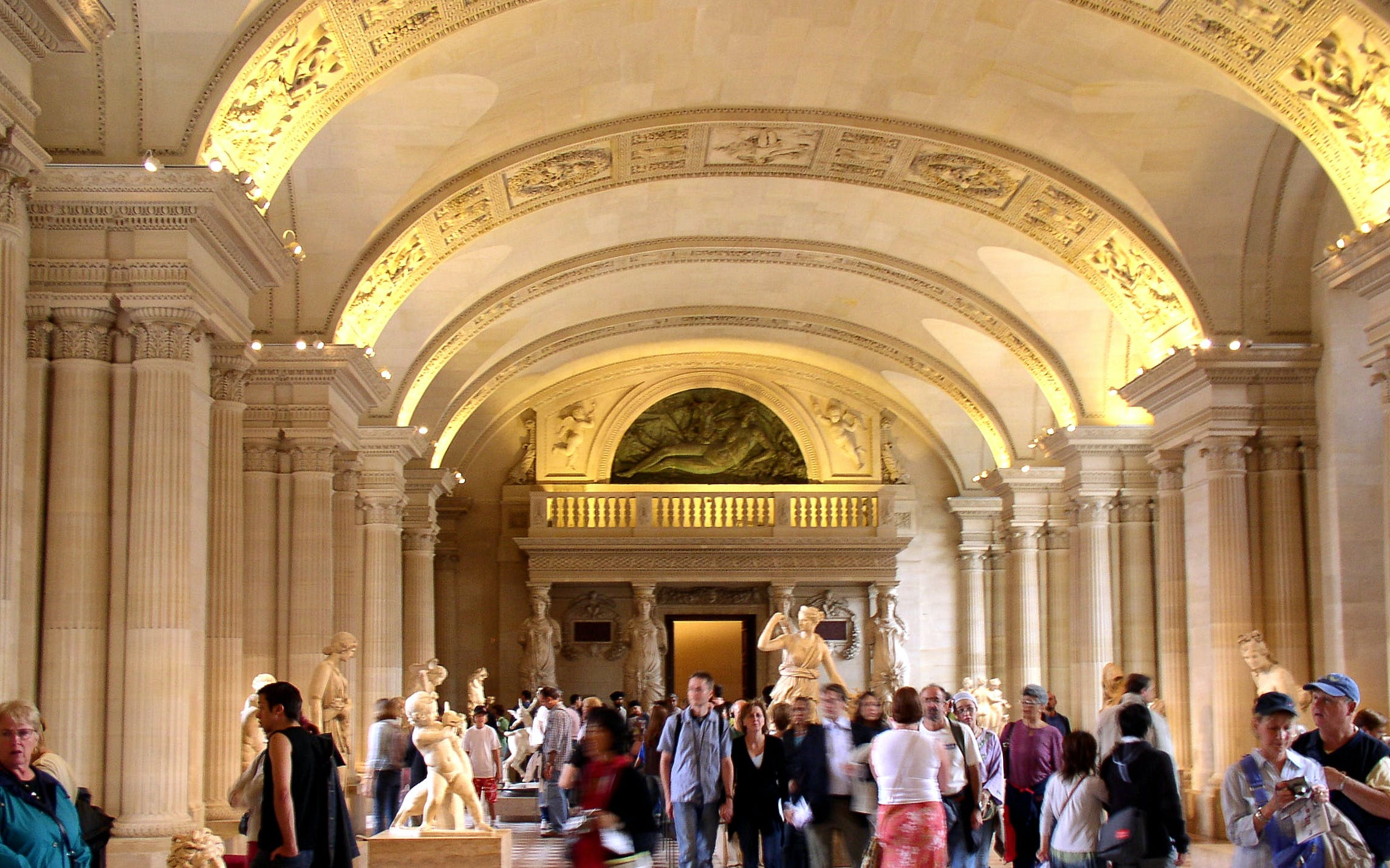 guided tour of the louvre museum with skip the line entry-2