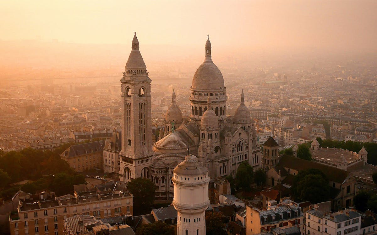 sacré-coeur and dome with expert tour guide-1