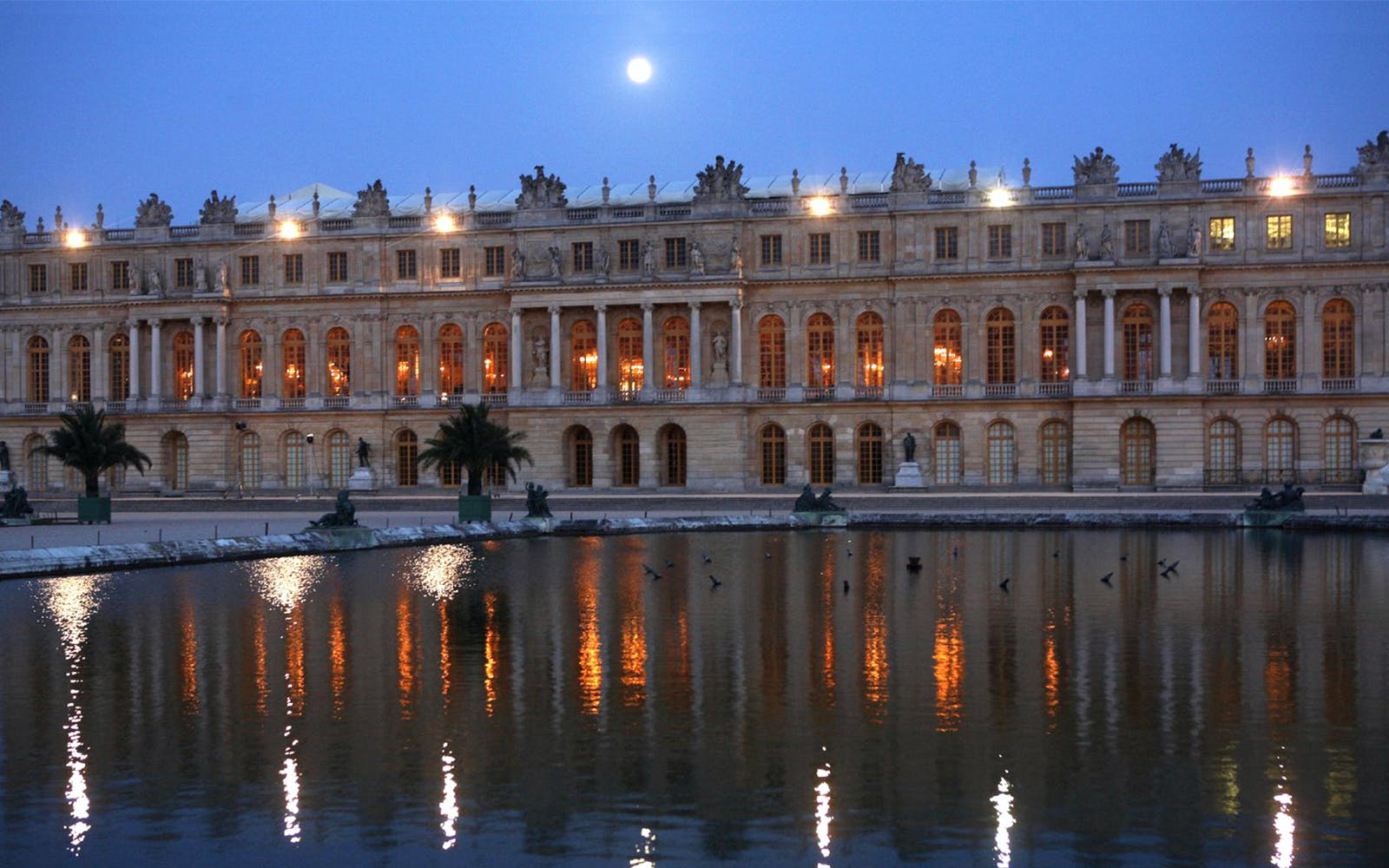 royal evening at versailles guided tour + great nocturnal waters show from paris-2