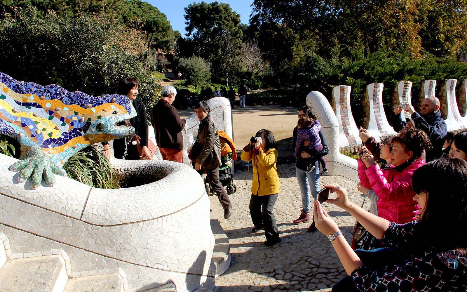 park guell guided tour with no wait entrance-2
