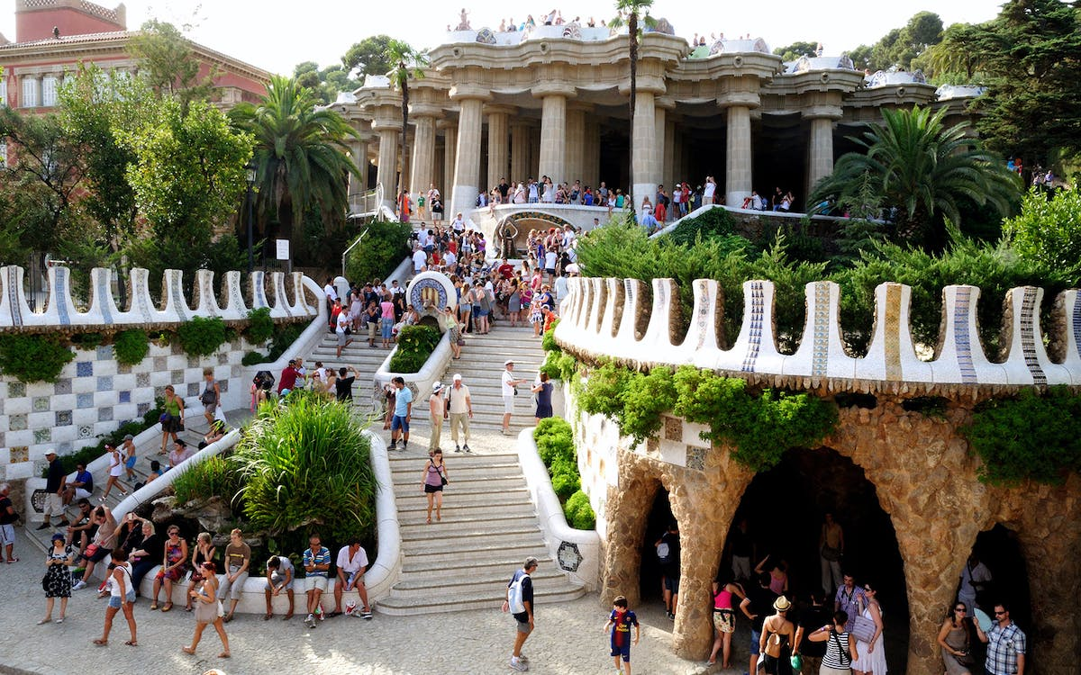 skip the line guided tour of park guell-1