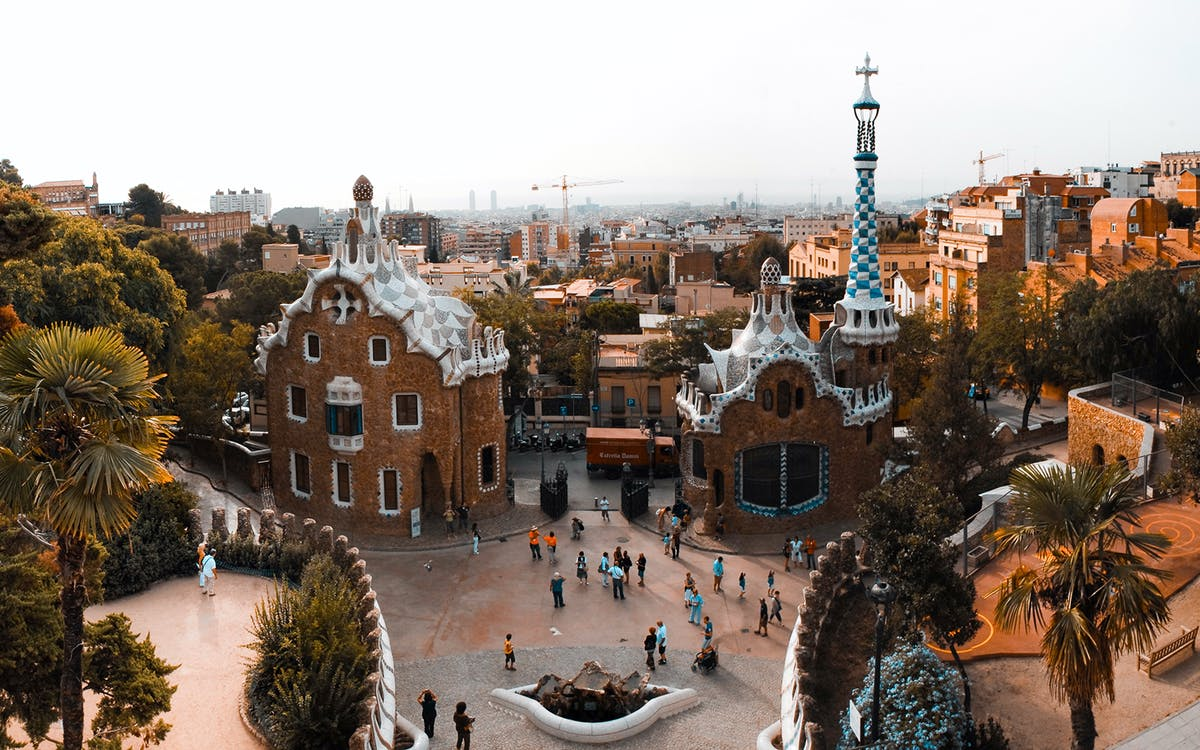 guided tour of sagrada familia and park güell with fast track entry access-4