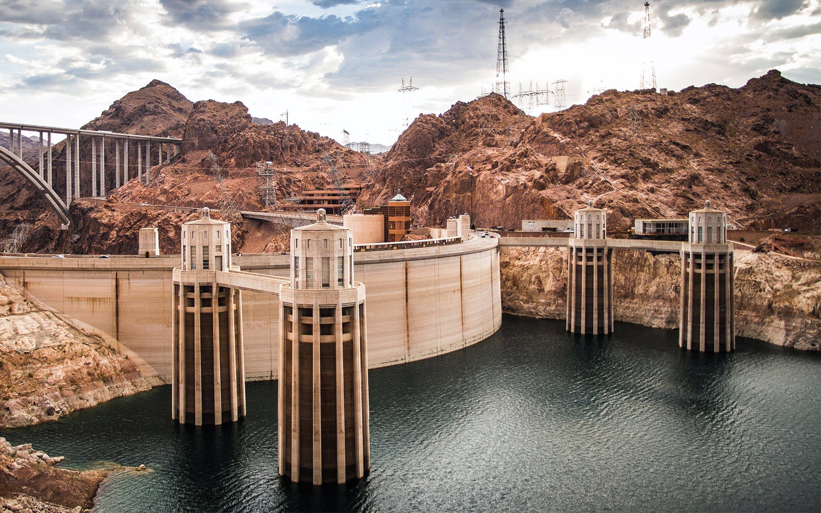 Platinum Hoover Dam Deluxe & Helicopter Tour