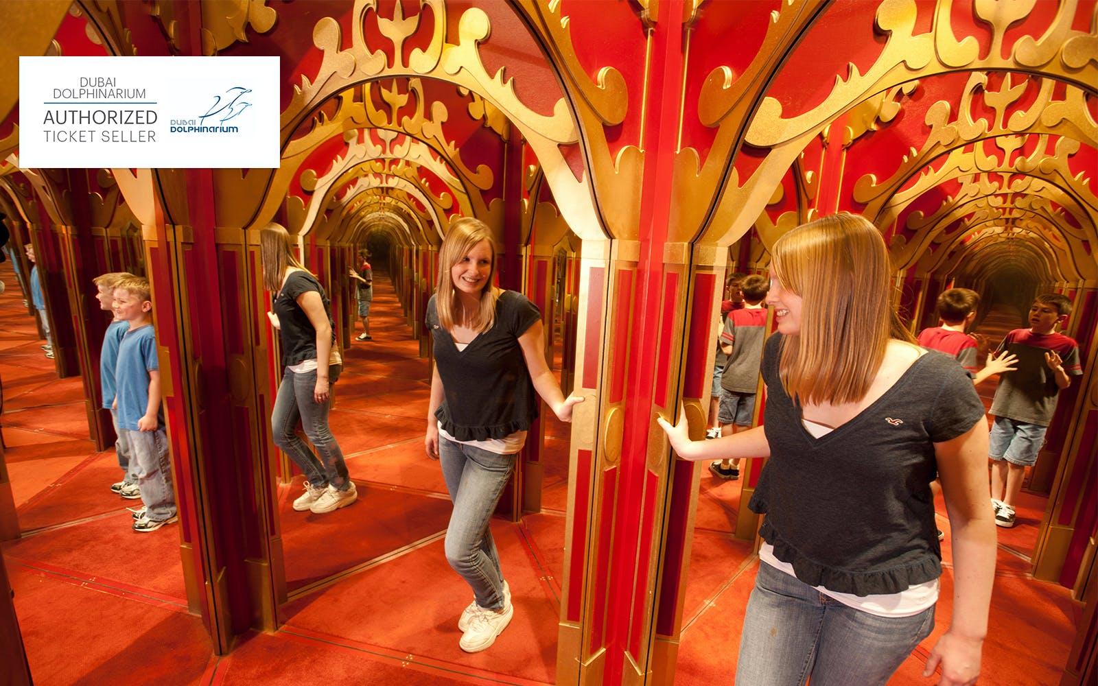 dubai-dolphinarium-mirror-maze