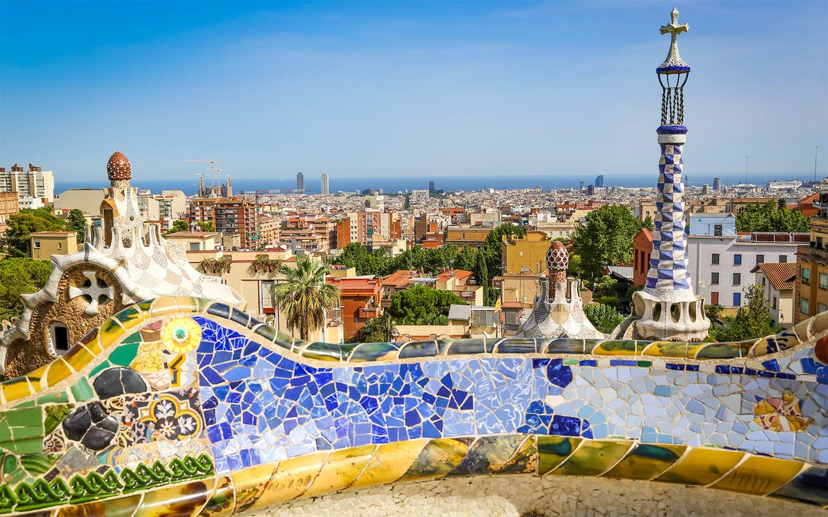 skip the line: guided tour of sagrada familia, towers and park guell-2