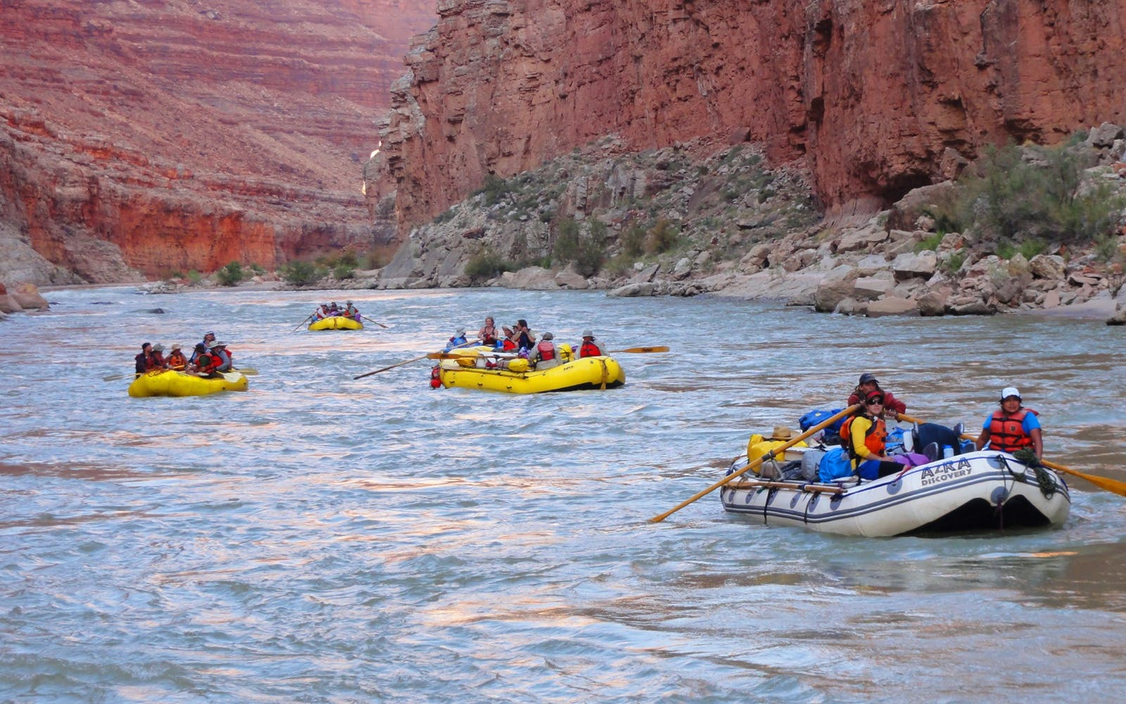 vegas to gc west rim helicopter tour with black canyon river rafting-2