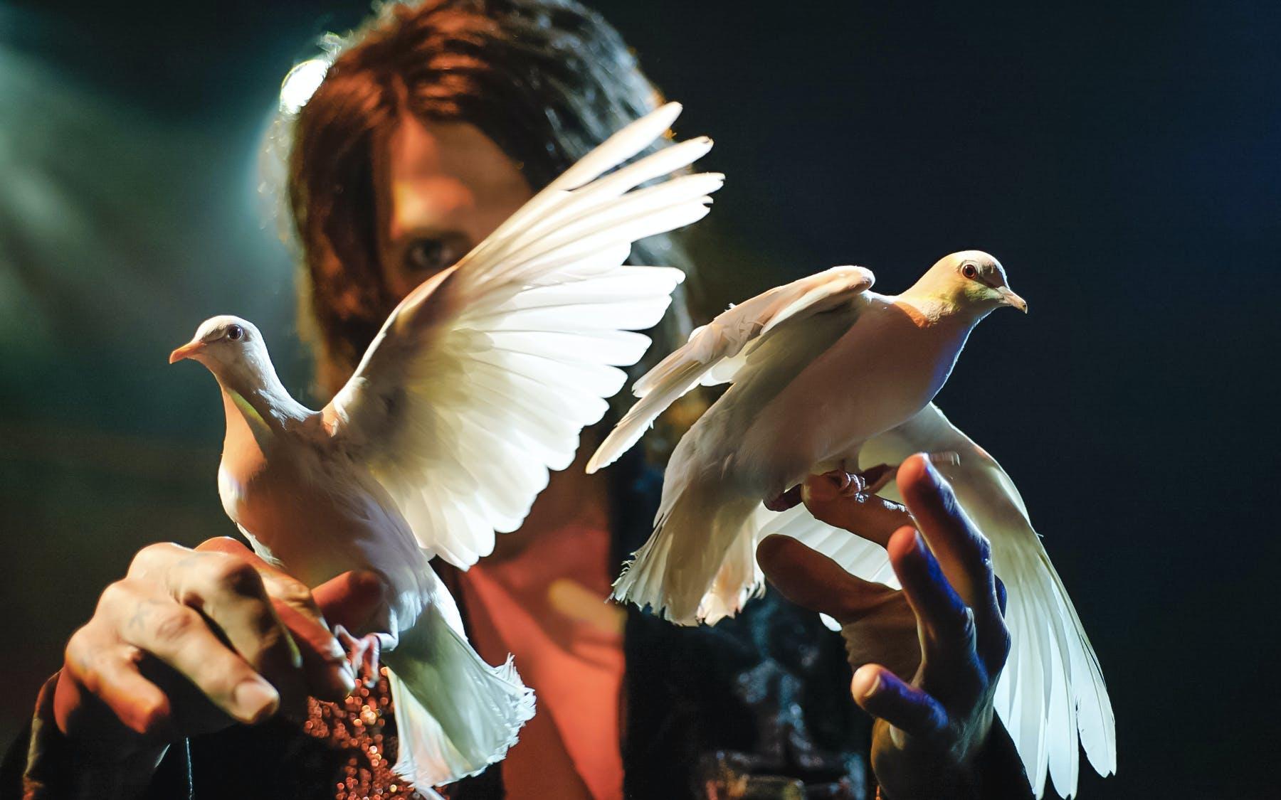 Best Vegas Magic Shows - Criss Angel Cirque Du Soleil