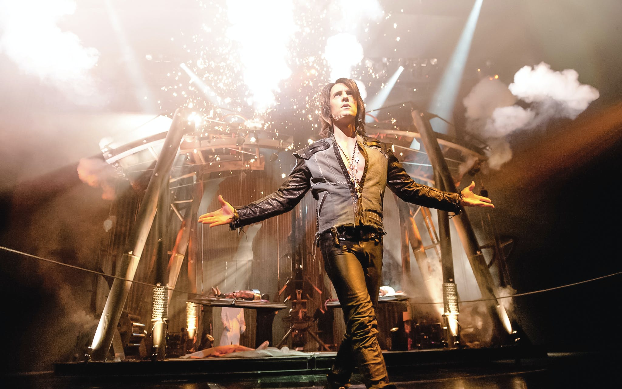 criss angel mindfreak live by cirque du soleil-2