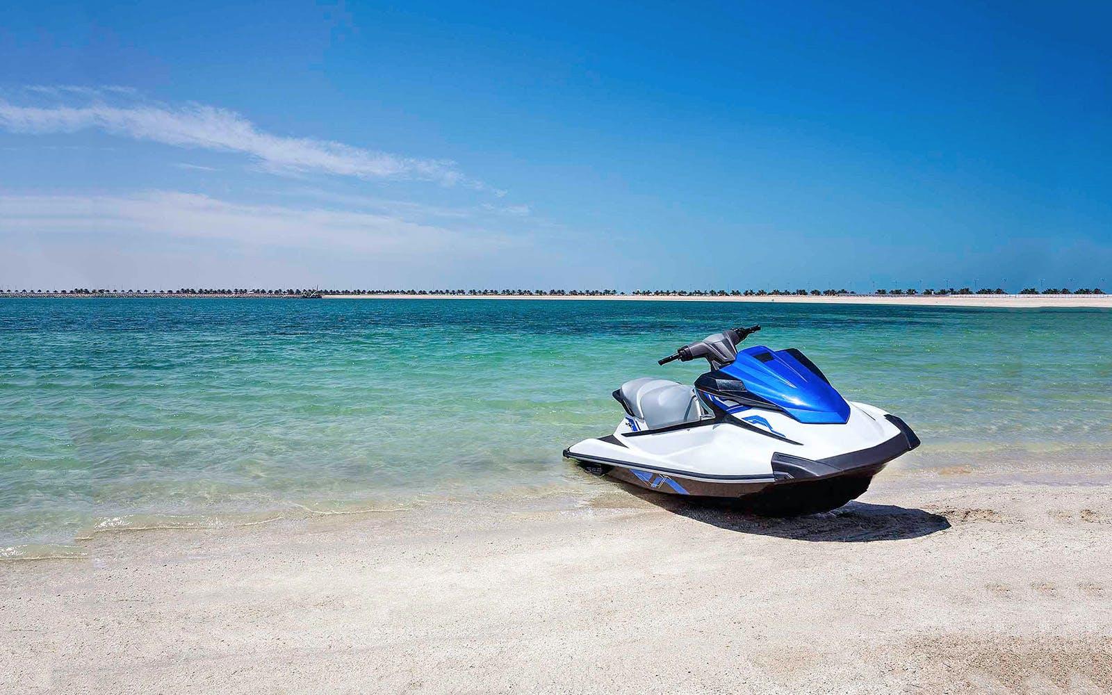 beaches-in-dubai-jet-ski-sightseeing-tour