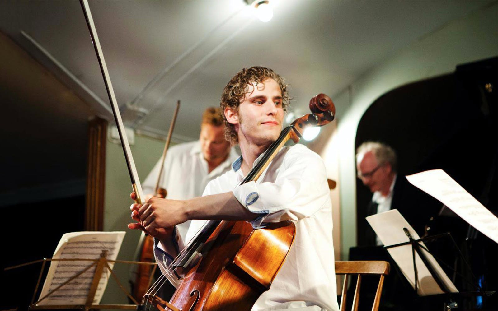 andreas brantelid plays dvořák's cello concerto-1