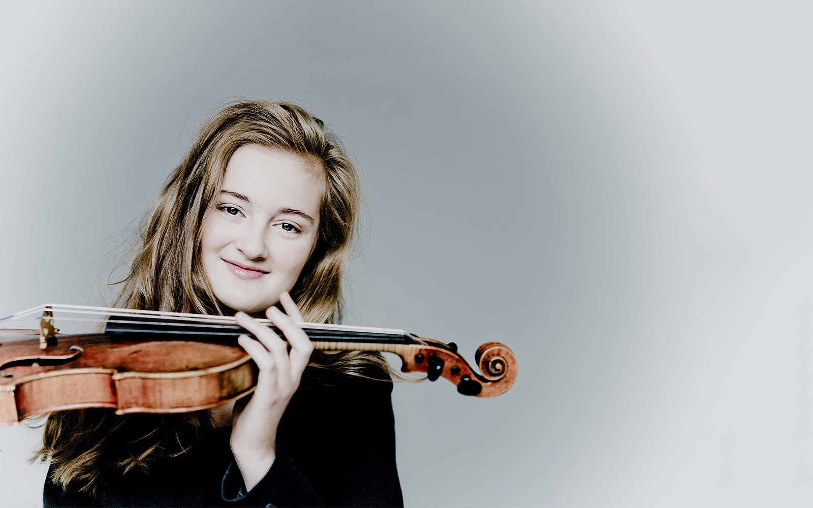 noa wildschut in mozart's violin concerto no. 5-1