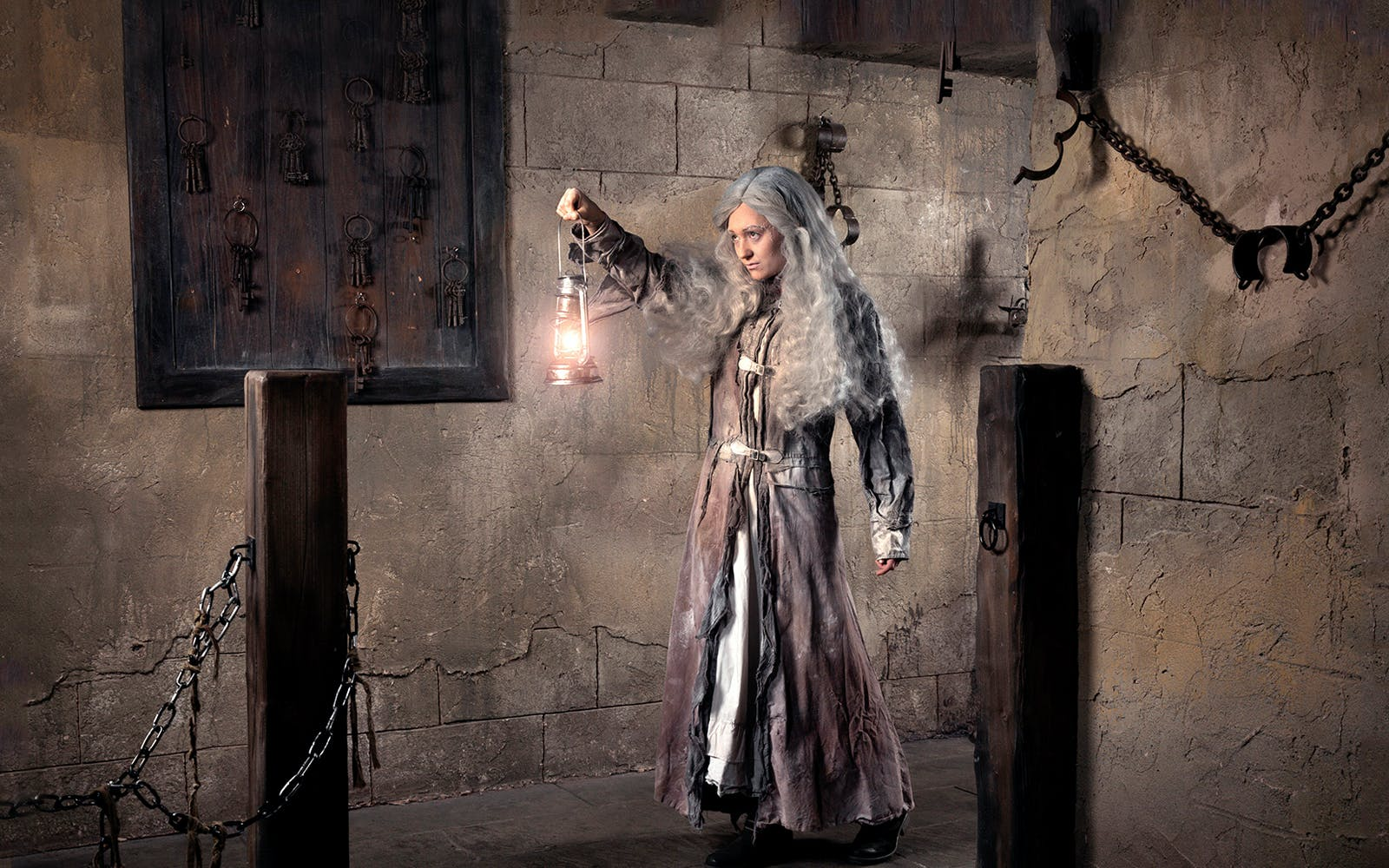 the london dungeon tickets and 24 hours thames river cruise combo-4