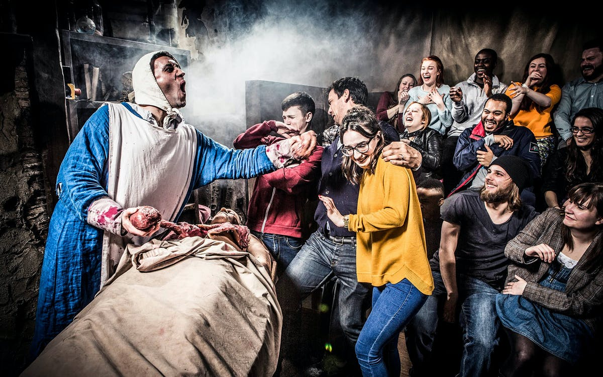 the london dungeon + 24hr river rover-1