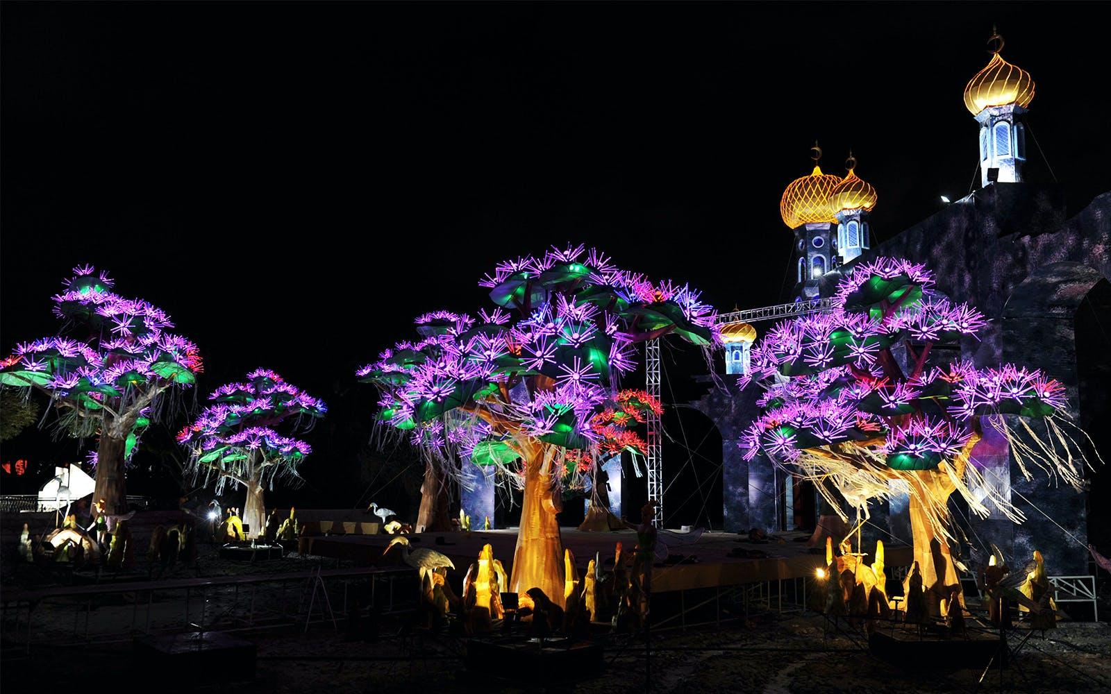 Dubai Garden Glow - 1