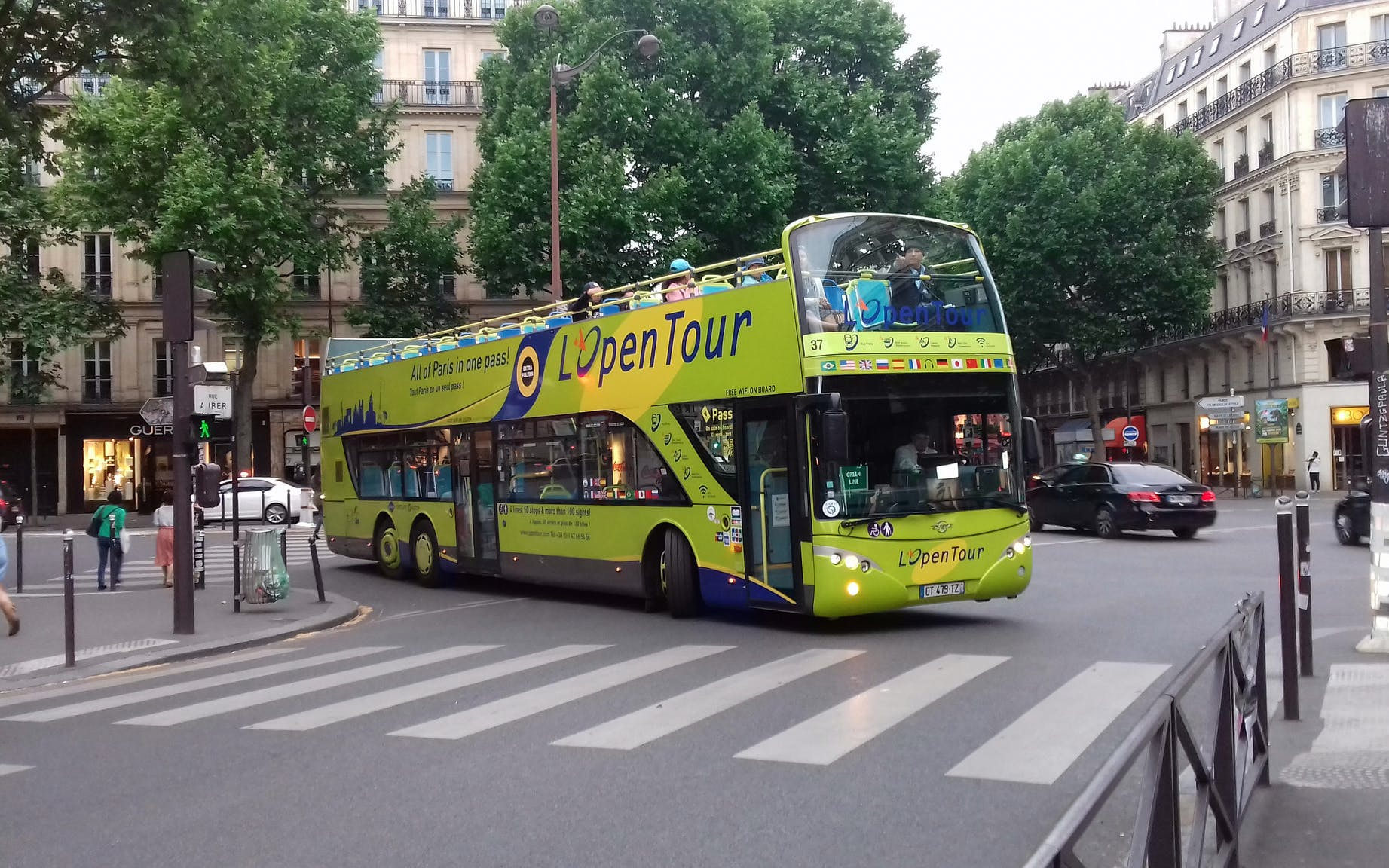 1 Day Hop-On Hop-Off Bus Pass and Night Tour