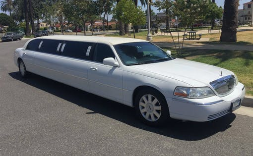 Lincoln Limo Ride Dubai