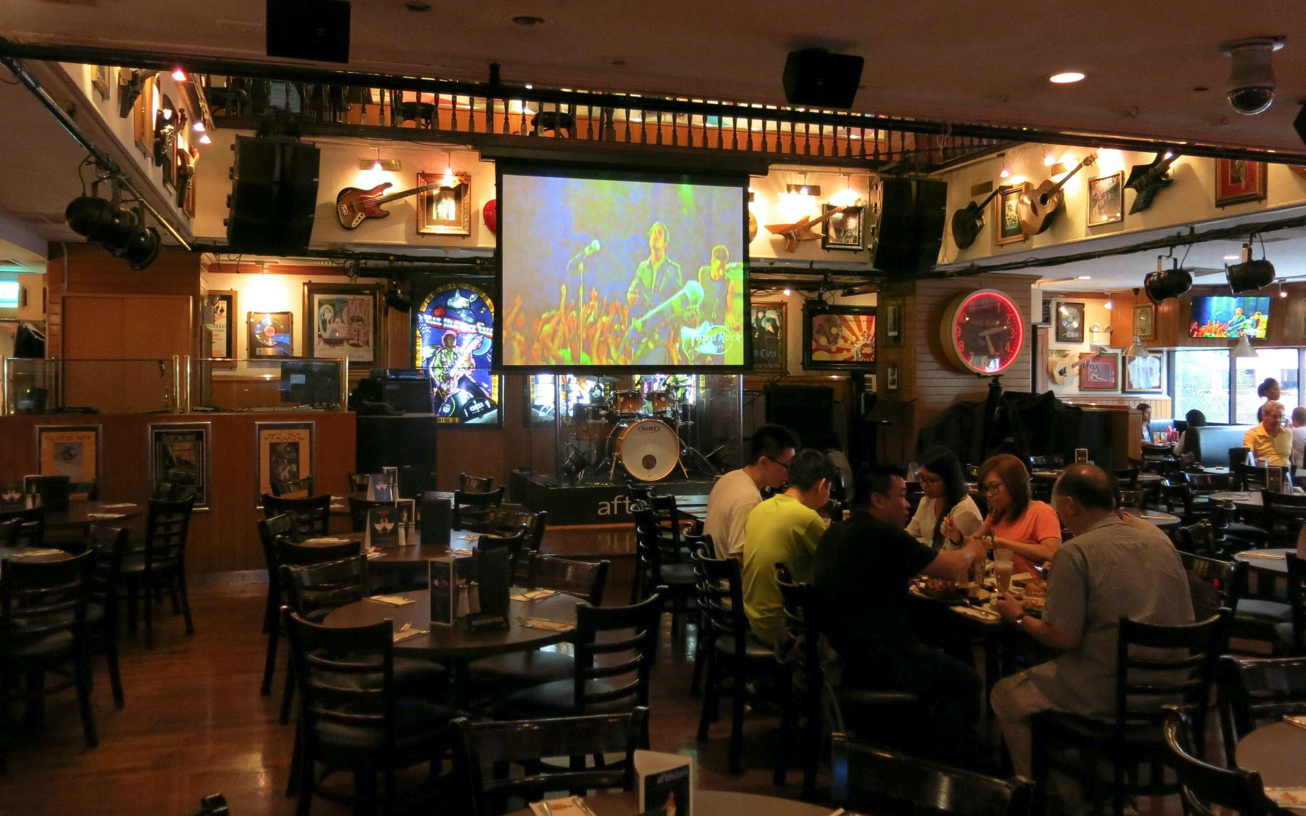 hard rock cafe sentosa-3