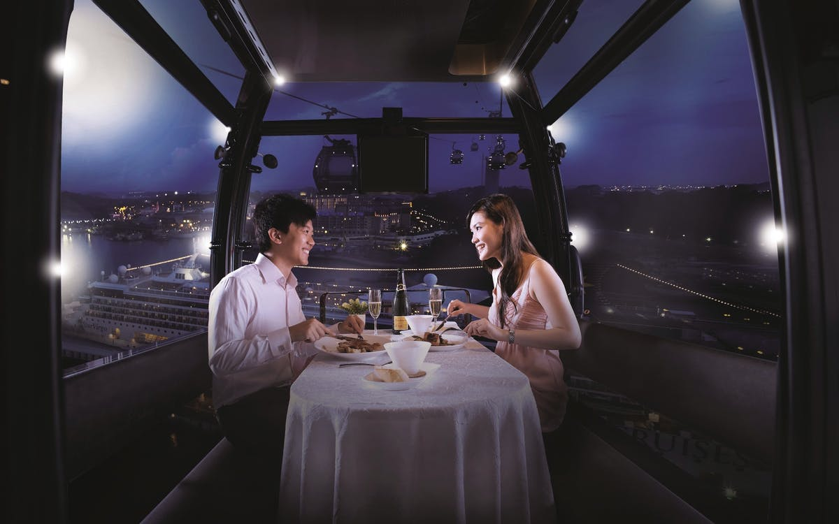 private singapore flyer sky dining capsule - 1200×750